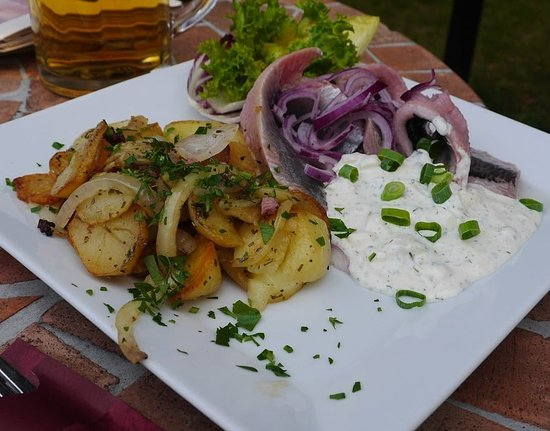 Gruenheide, Germany: Matjes mit Bratkartoffeln