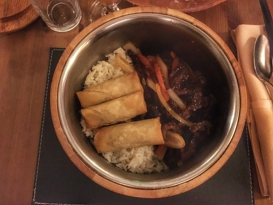 Queens Head Inn: Fantastic Chinese food.  We love this place mainly due to the great food that they have but also