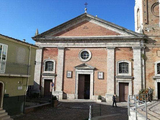 Avigliano, Italy: Basilica Pontificia di Santa Maria del Carmine
