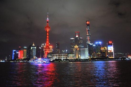 Shanghai Tour Facilitator - Harris Private Tour: The Bund