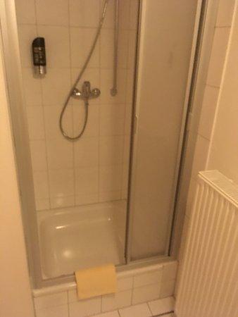 Altenstadt, Alemania: 2 räume für waschtisch/wc und waschtisch/dusche