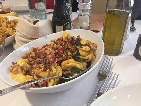 Marano sul Panaro, Italy: Domenica a pranzo in famiglia