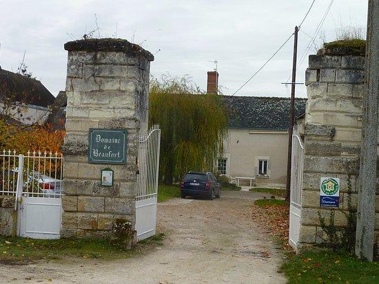 Saint-Martin-le-Beau, França: l'entrée du domaine