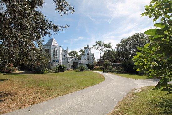 Ona, FL: castle