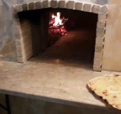 Ponzano Romano, Italia: forno a legna