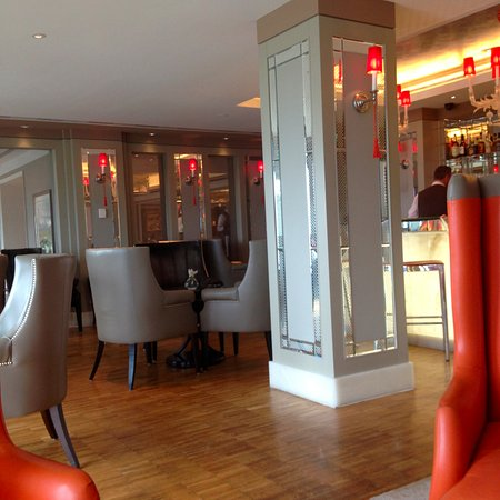 The Europe Hotel & Resort: Bar open during the day