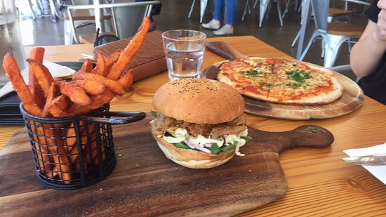 Rosevears, Australia: Pulled pork burger