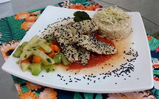Equilibrio Gastronomia Funcional: Tilápia crosta de gergelim