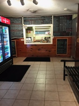 North Hampton, Nueva Hampshire: Counter to order with menu board