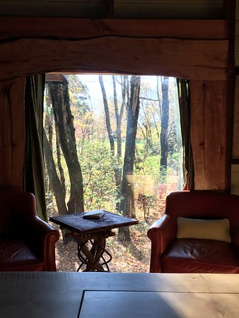 Morris, CT: Woodlands Cottage, view from the foot to the bed