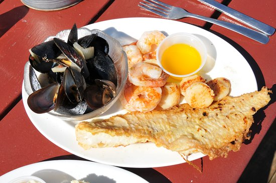 Pleasant Bay, Kanada: Haddock, shrimp, scallops and mussels