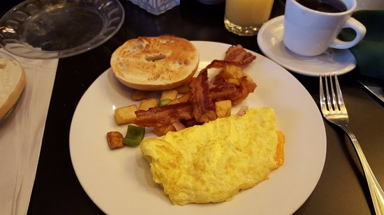 Enfield, CT: Cheese Omelette