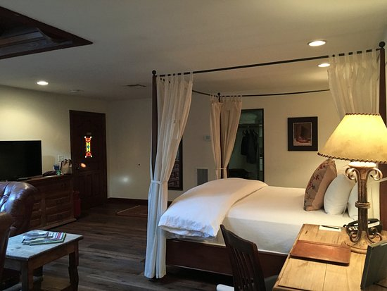 Hermosa Inn: Room 108