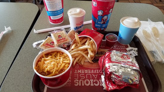 Kenly, NC: single burger,fries, chili & frosty