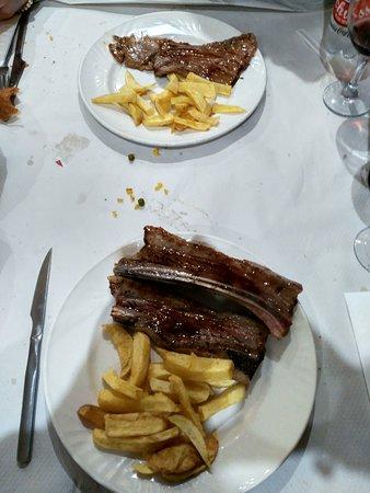 Hostal Restaurante La Trucha: Menú del día 10 euros sábado, estupendo