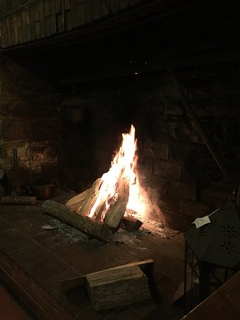 Bedford, PA: Romantic fire