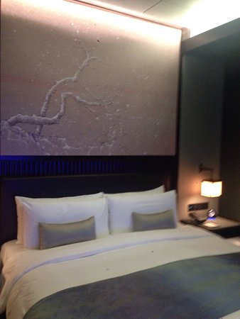 NUO Hotel Beijing: I like the hotel it's very nice and the rooms it's big they have nice international restaurant m