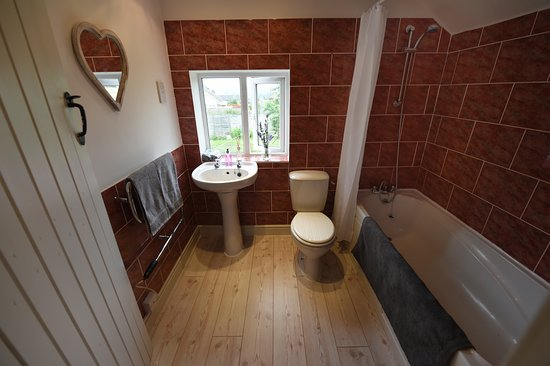 Shipston on Stour, UK: The Granary - bathroom