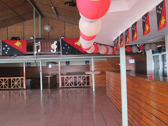 Alotau International Hotel: Jetty Entertainment Bar