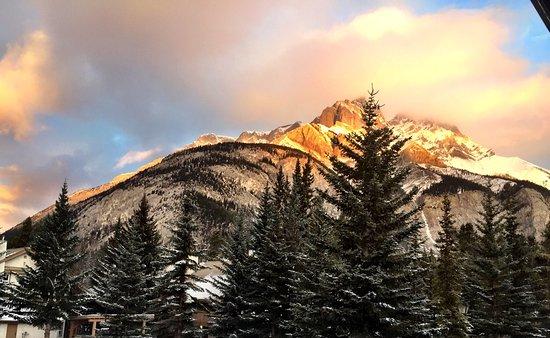 Banff Rocky Mountain Resort: photo0.jpg
