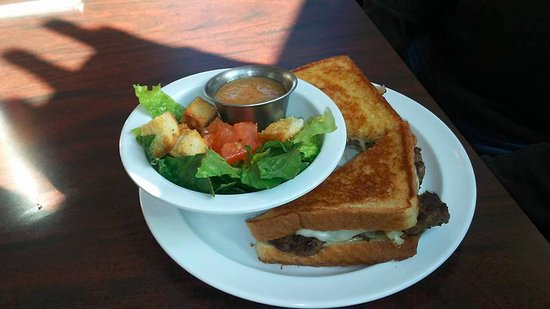 Marion, IL: Patty melt, salad, ice tea  (very reasonable: $21 for two meals)