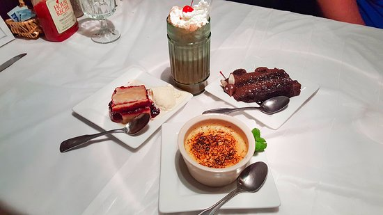 Muttley's Downtown: desserts!