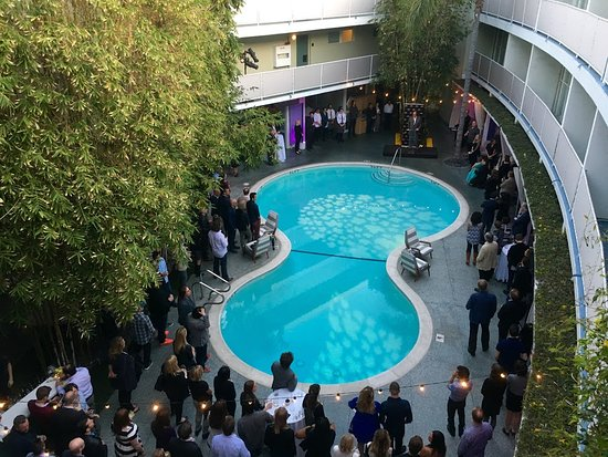 Balcony - Picture of Avalon Hotel Beverly Hills, Beverly Hills - Tripadvisor
