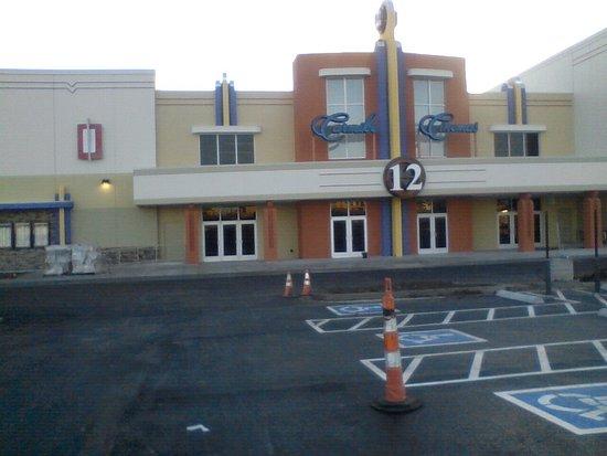 AMC Tulsa Hills 12