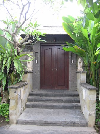 Gending Kedis Villas & Spa Estate: Doors to courtyard of each villa