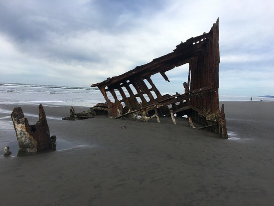 Fort Stevens State Park: Not much left of the ship