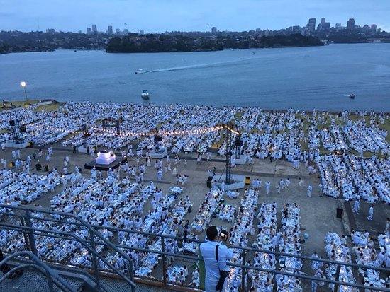 Cockatoo Island, Australien: Try sleeping with 5,000 people having a party