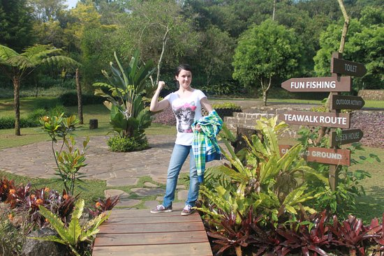 West Java, Indonesia: пойдешь налево...