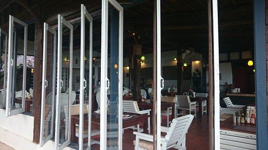 Koh Chang Cliff Beach Resort: DSC_9212_large.jpg