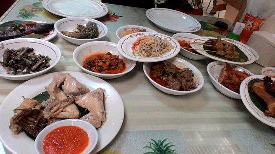 Restaurant Garuda Padang: Yum