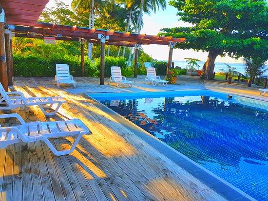 Уполу, Самоа: Poolside