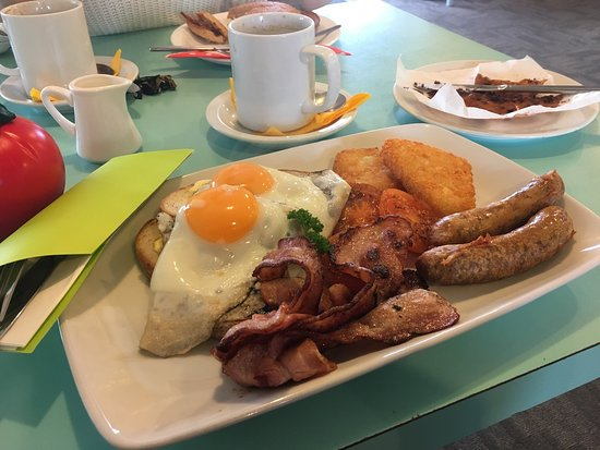 Haast, Neuseeland: Best breakfast on West Coast! What a great surprise. New owners have done a great job creating a