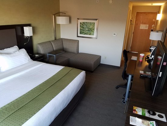 Holiday Inn Wilkes Barre East Mountain: Standard King Room