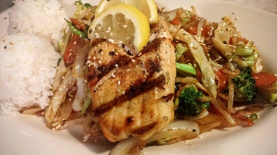 White Salmon, WA: Grilled Salmon steak