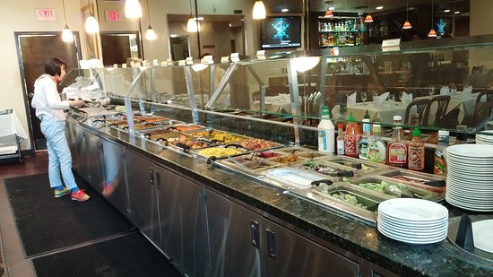 Artesia, CA: Buffet lunch spread.