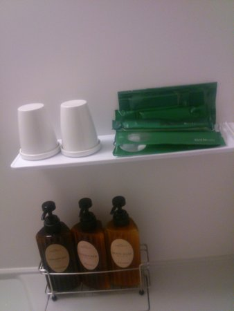 Hotel Route Inn Misawa: Shampoo, body soup, tooth bashes, etc.