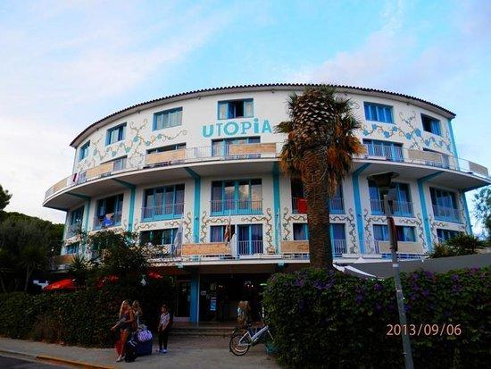Utopia beach house updated 2017 hotel reviews price - Hotel casa vilella ...