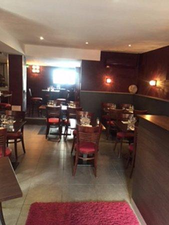 restaurant la terrasse 132 dans saint andre de corcy avec cuisine fran aise. Black Bedroom Furniture Sets. Home Design Ideas