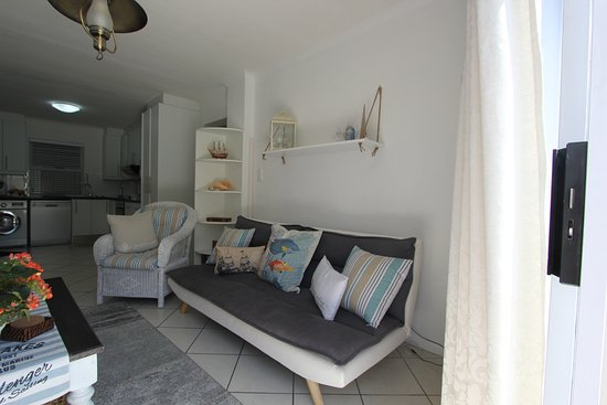 Gordon's Bay, South Africa: Lounge from Sliding Door