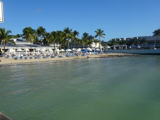 Santa Maria Suites Hotel: Beach nearby
