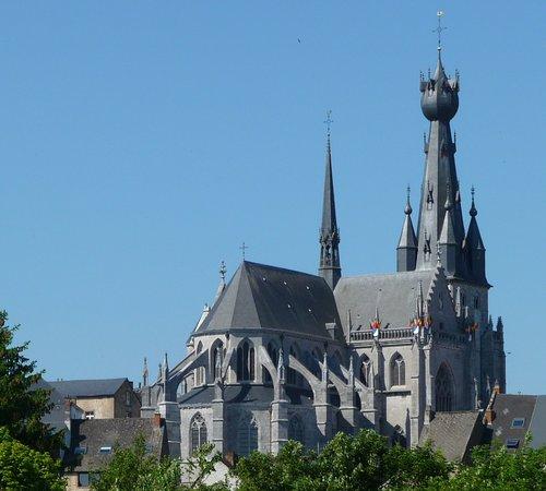 Basilique Saint-Materne