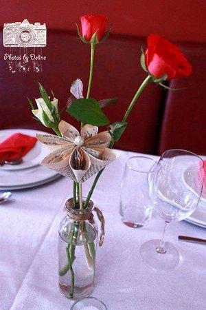 Karoopot Restaurant: fresh roses for the table