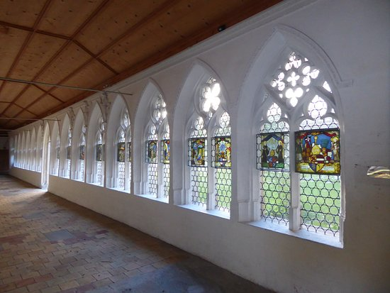 Wettingen, Sveits: Cloister with Lead Lights