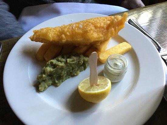 Styal, UK: Fish chips & mushy peas