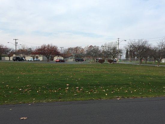 East Rochester, Nova York: Big Oak - grounds