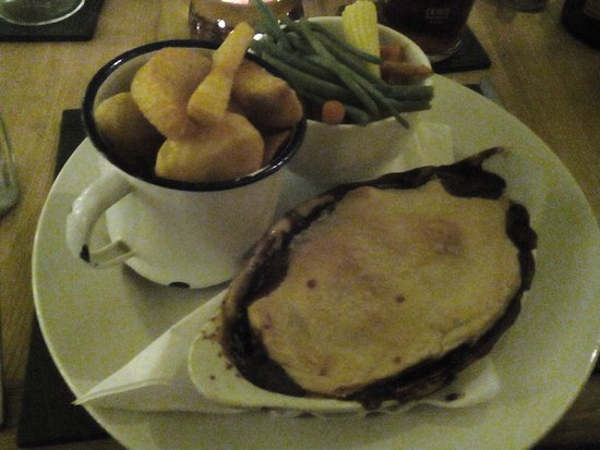 Three Pigeons Inn : Steak Pie Chips and Veg.